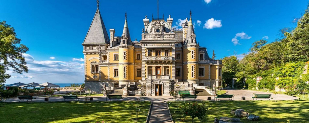 Фото: Дворец Александра III в Массандре
