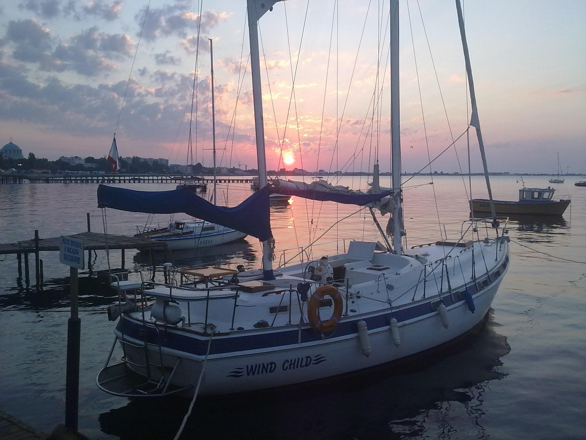 Фото: Аренда парусно-моторной яхты