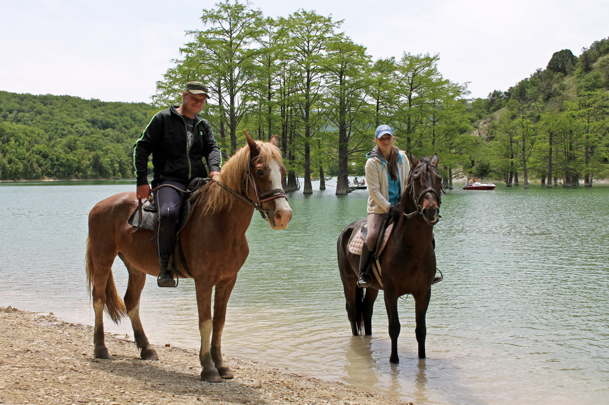 Фото: Конный поход «Кипарисовое озеро»