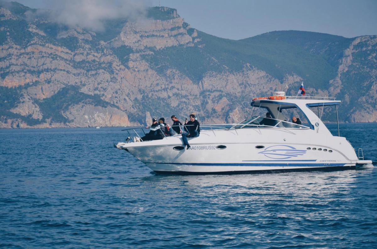 Фото: Моторная яхта «Chaparall 350»
