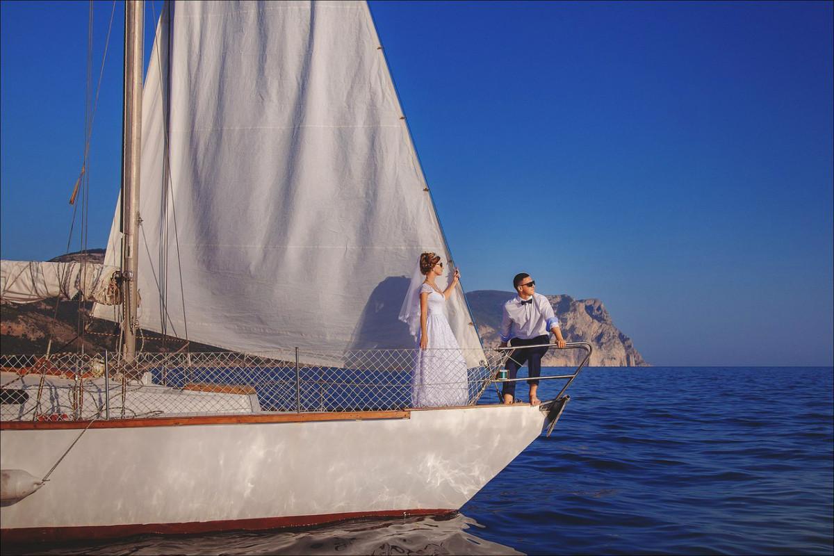 Фото: Парусная яхта для небольшой компании