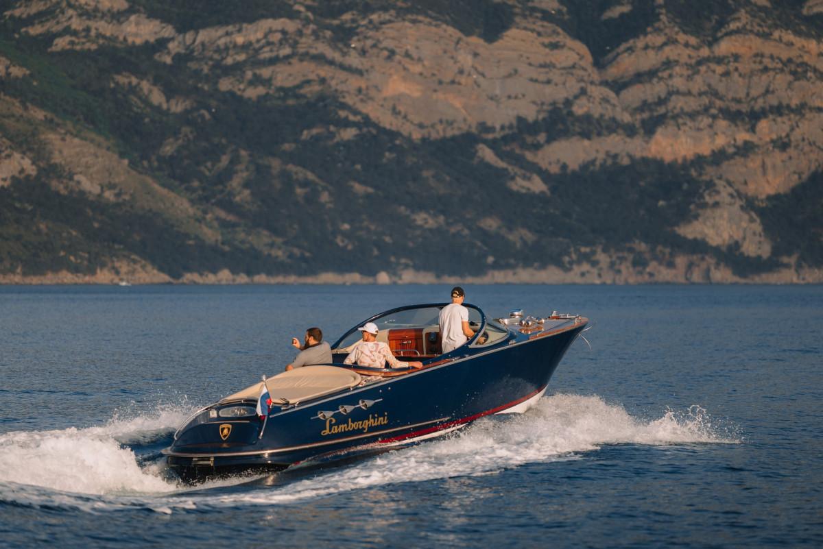 Фото: Премиум яхта «Lamborghini»