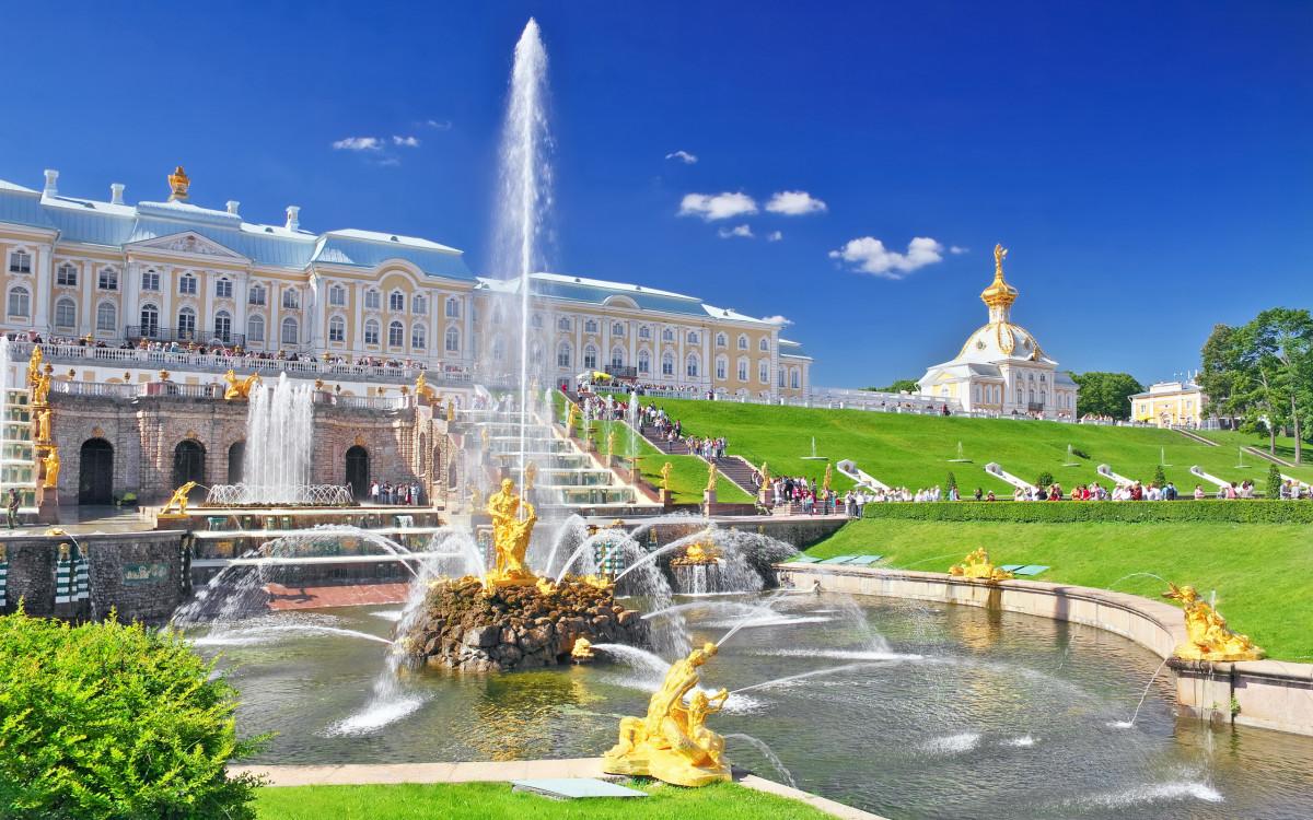 Фото: VIP-экскурсия в Петергоф (Фонтаны)