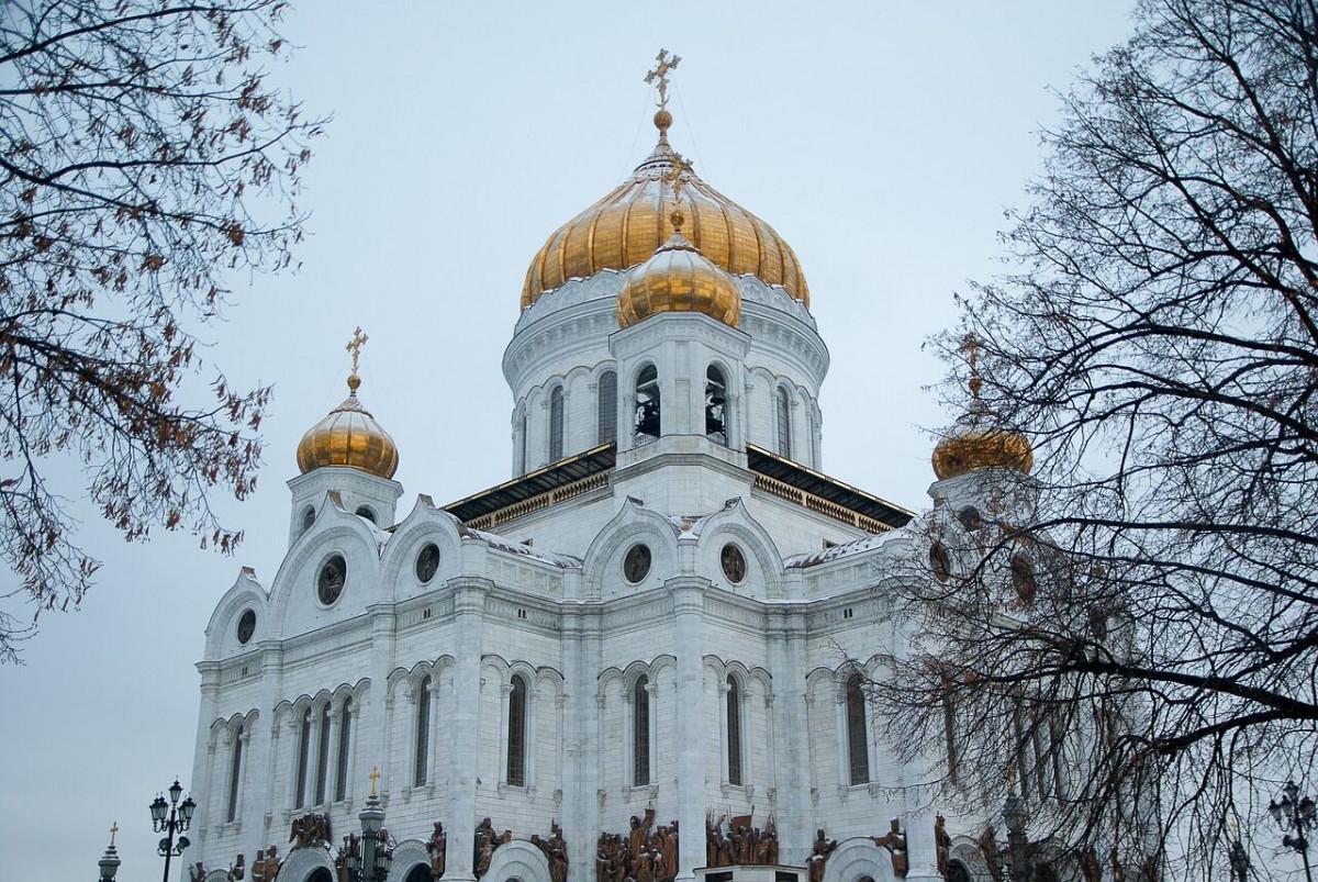 Фото: К Храму Христа Спасителя