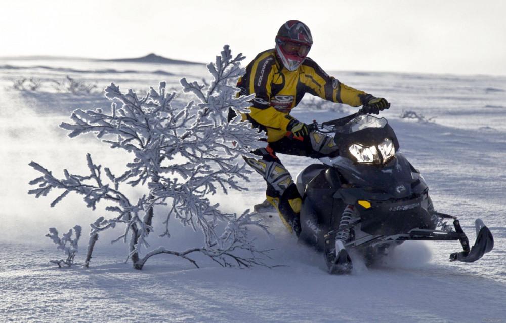 Фото: На снегоходе по Финскому заливу