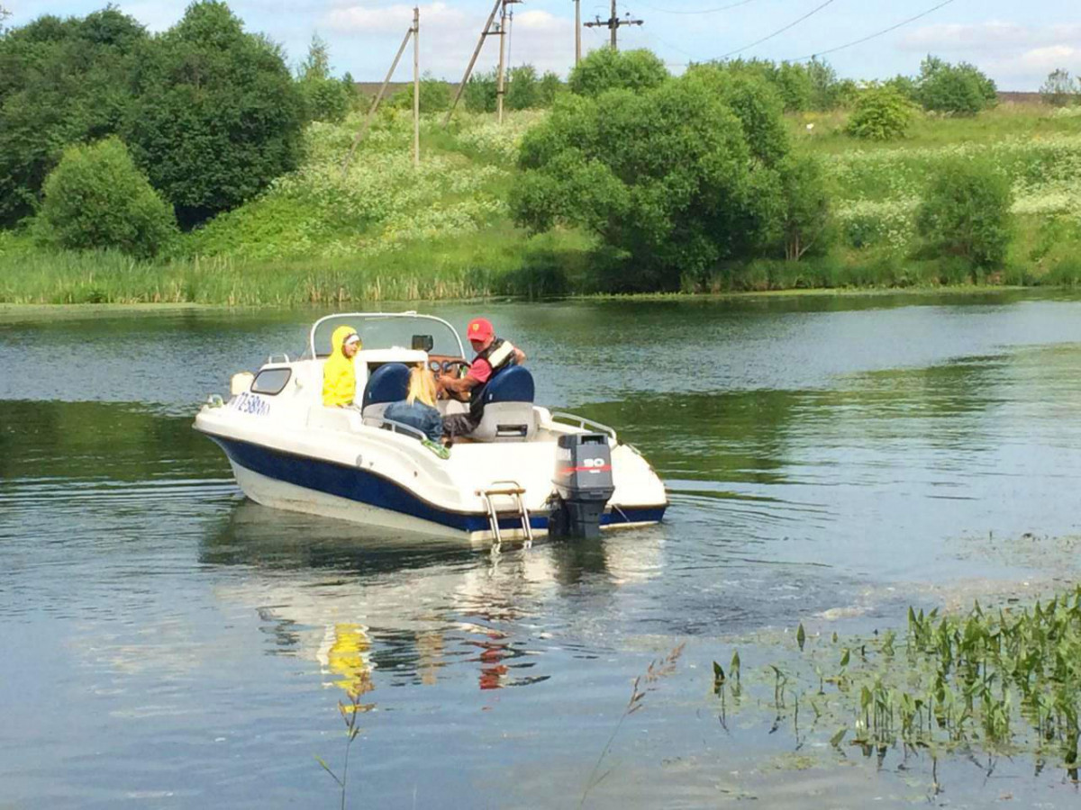 Фото: День отдыха на катере на реке
