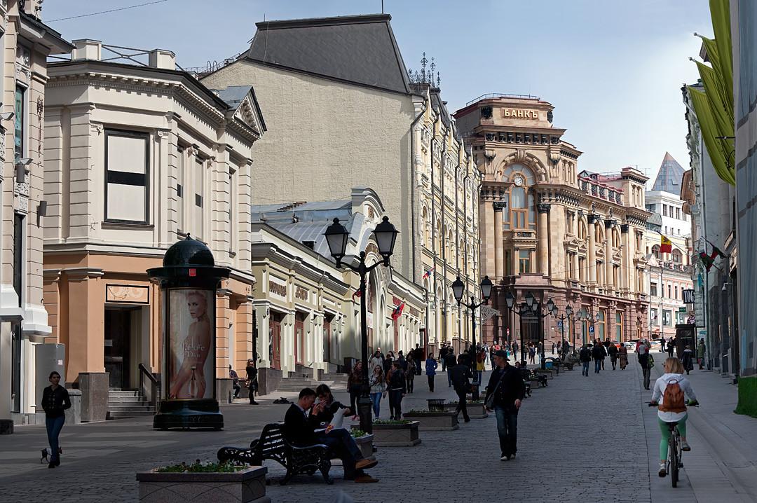 Фото:  Охота на детали, или чего не видят москвичи на Кузнецком мосту