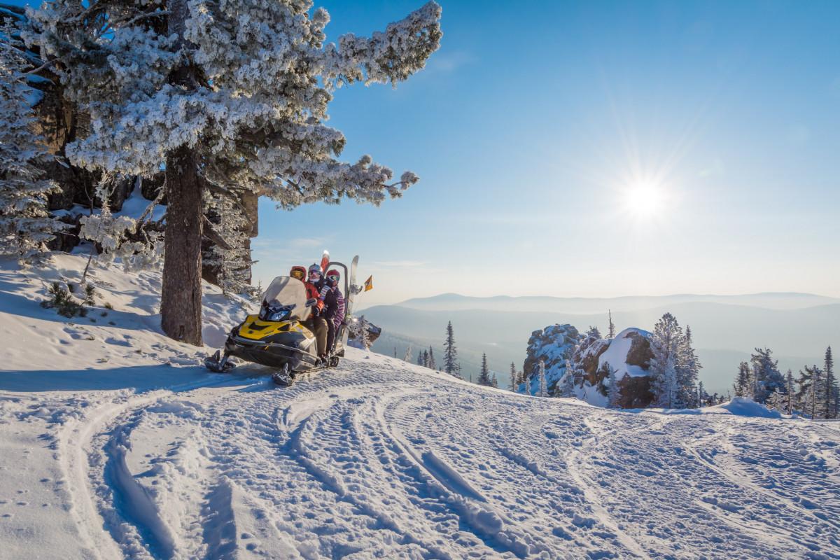 Фото: «Северный Мустаг» на снегоходах, Шерегеш