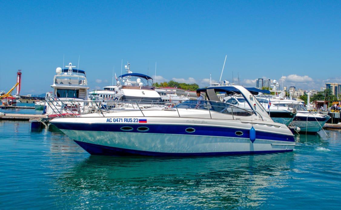 Фото: Яхта «Bavaria 380 Sport»
