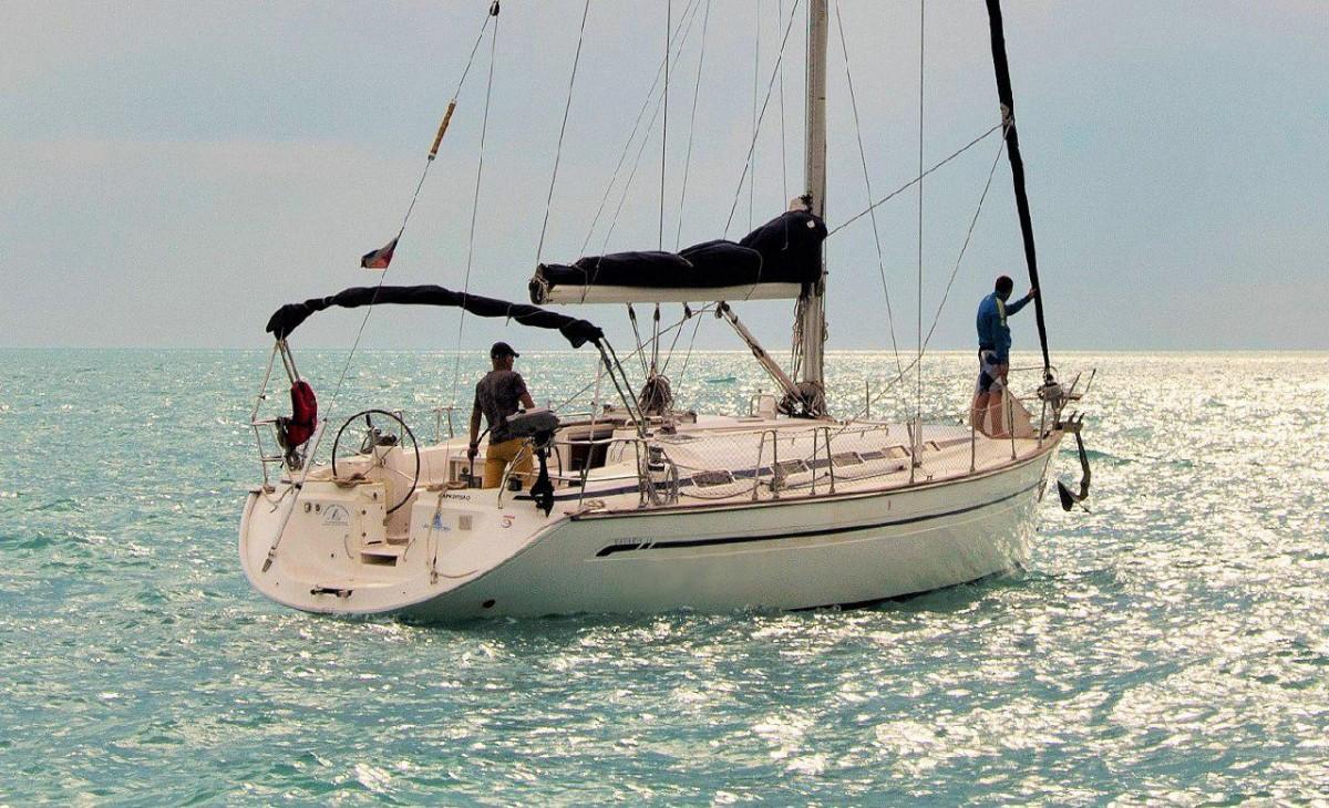 """Фото: Прогулки на круизной яхте """"Bavaria 44"""""""