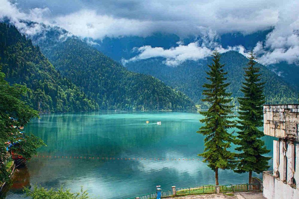Фото: Майские праздники в Абхазии