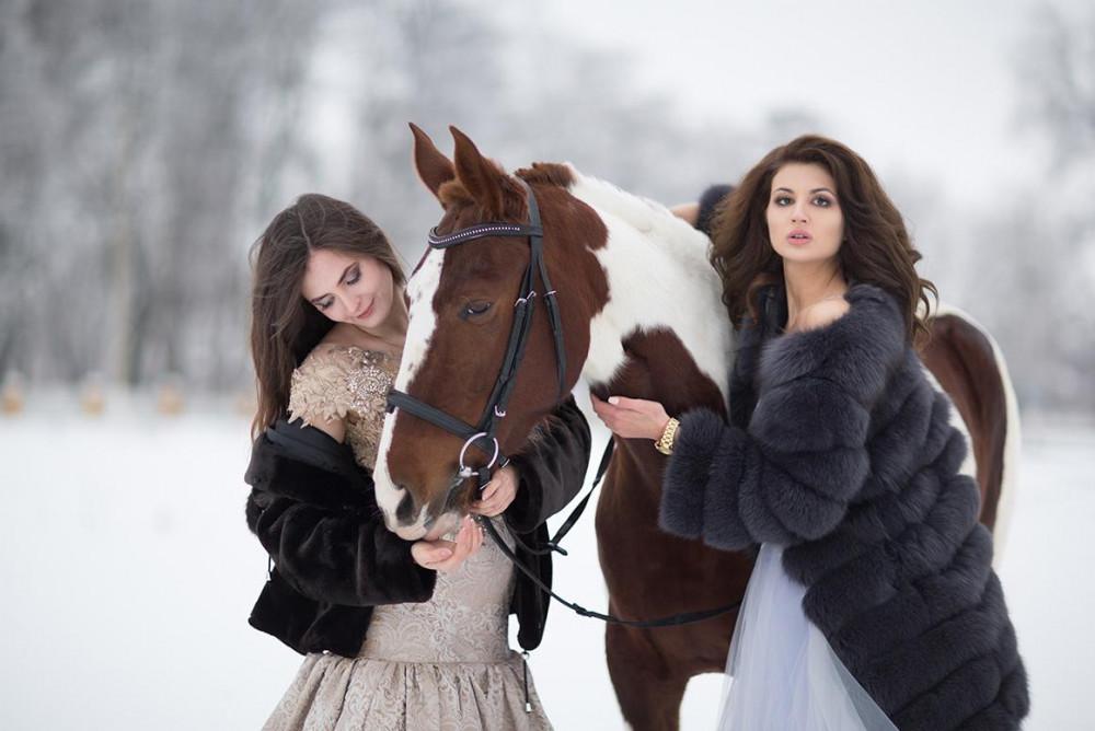 Фото: Прогулка на лошадях в лес