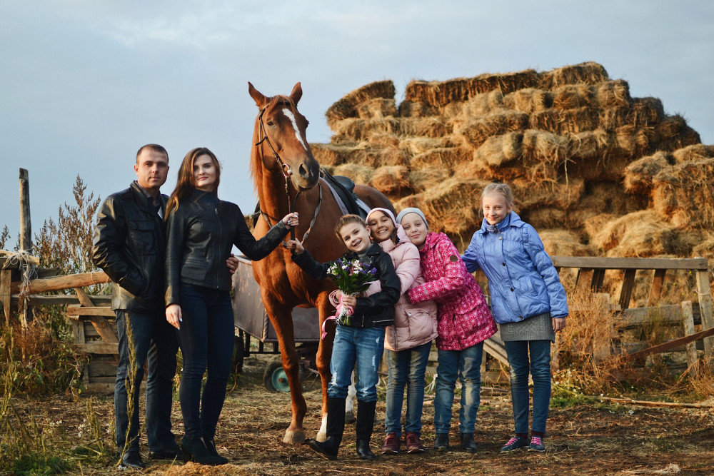 Фото: Семейное занятие верховой езды