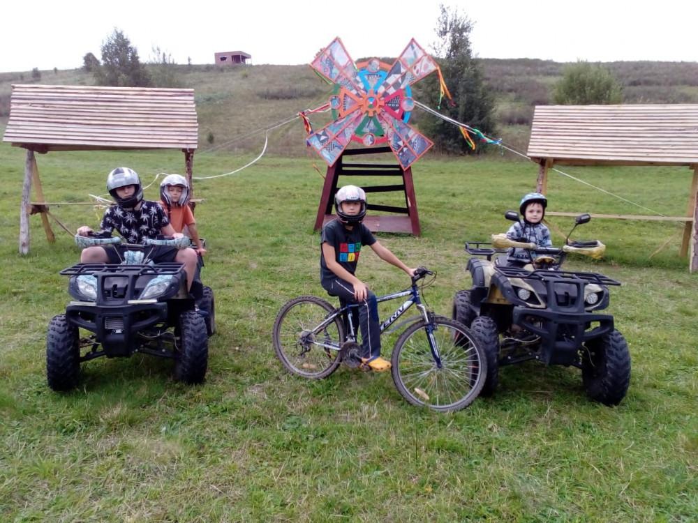 Фото: К Александровой горе на квадроциклах