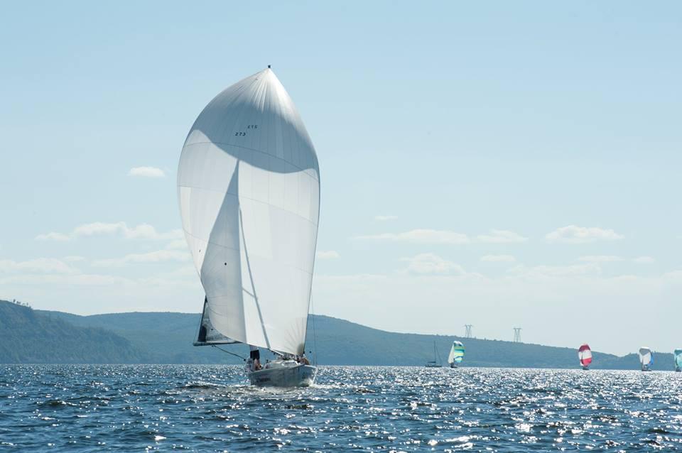 Фото: Парусная яхта «Солнечная»