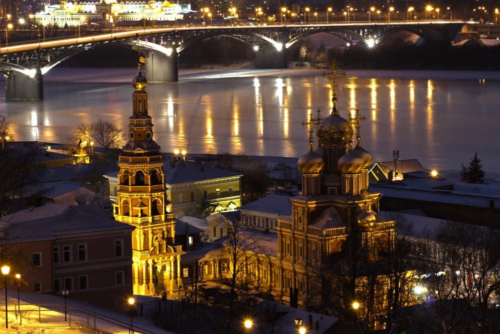 Фото: Нижний Новгород в вечерних огнях