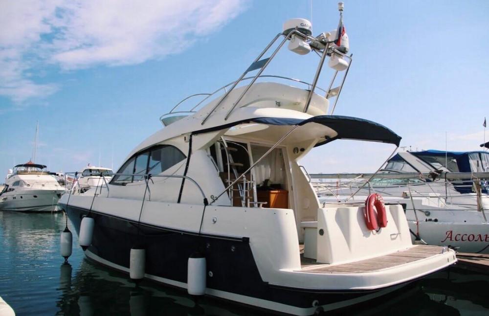 Фото: Двухпалубная яхта «Starfisher 34»
