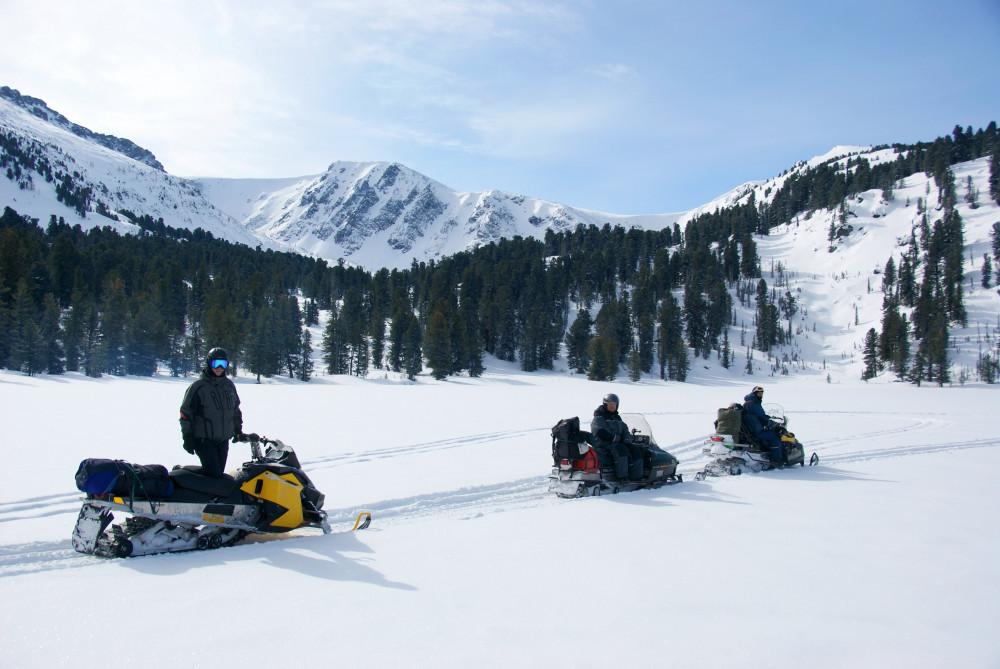 Фото: Сафари на снегоходах в долину Семи озёр