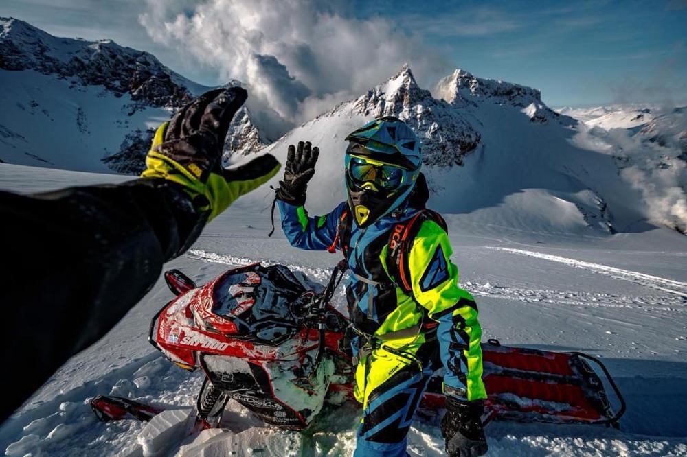 Фото: Обучение езде на снегоходе для любителей