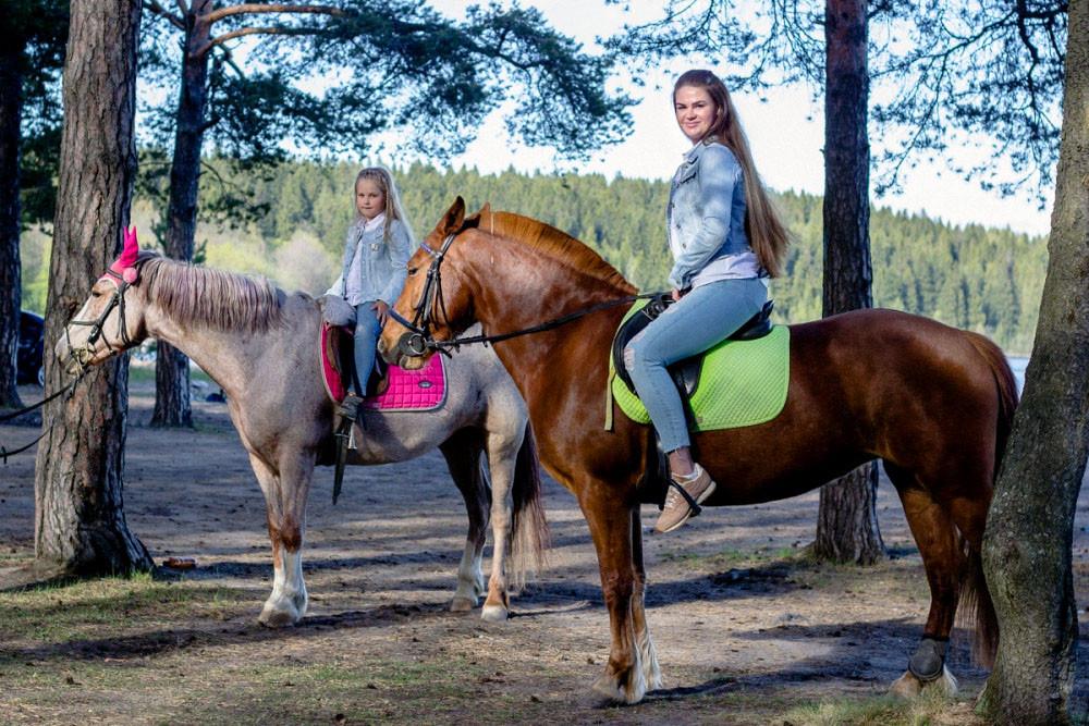 Фото: На лошадях к «Чёртову стулу»