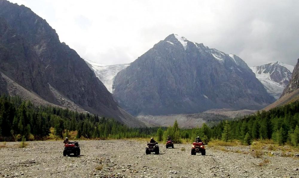 Фото: К Северо-Чуйскому хребту на квадроциклах