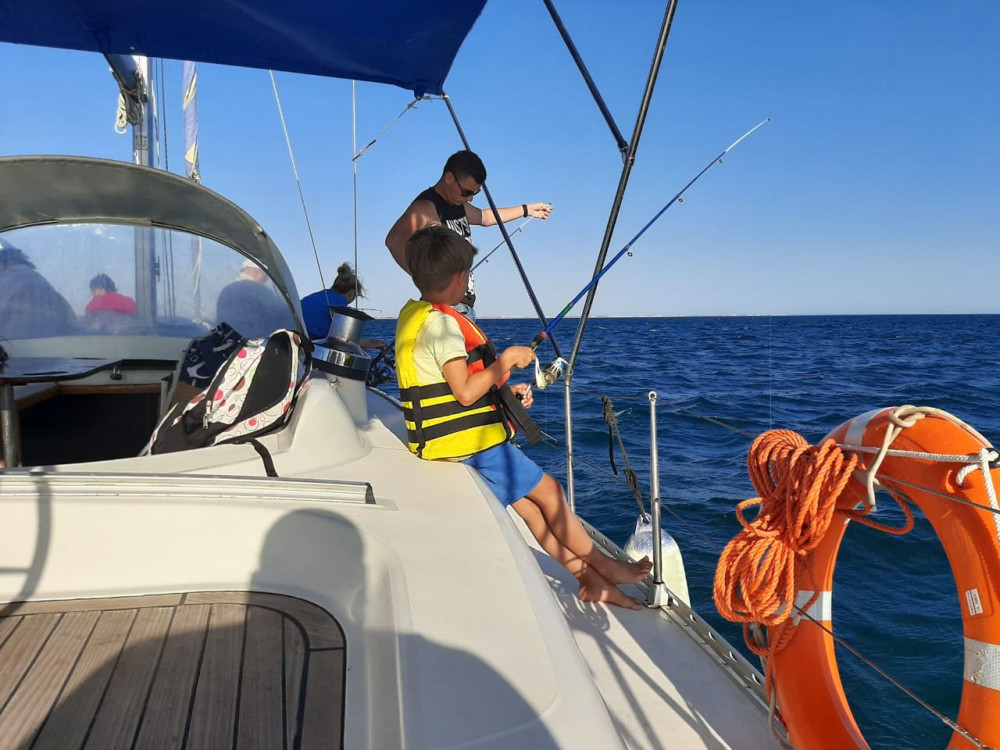 Фото: Рыбалка в море на яхте