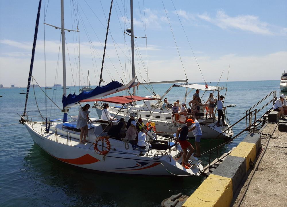 Фото: Прогулка на парусной яхте в Евпатории