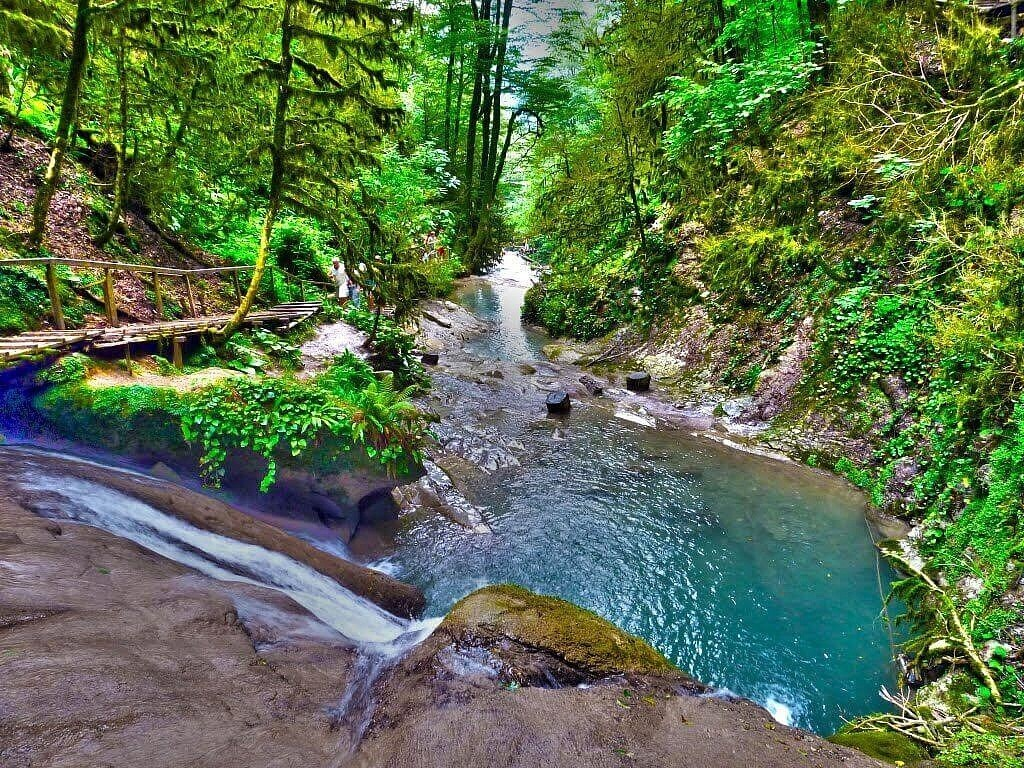 Фото: Долина легенд и водопадов