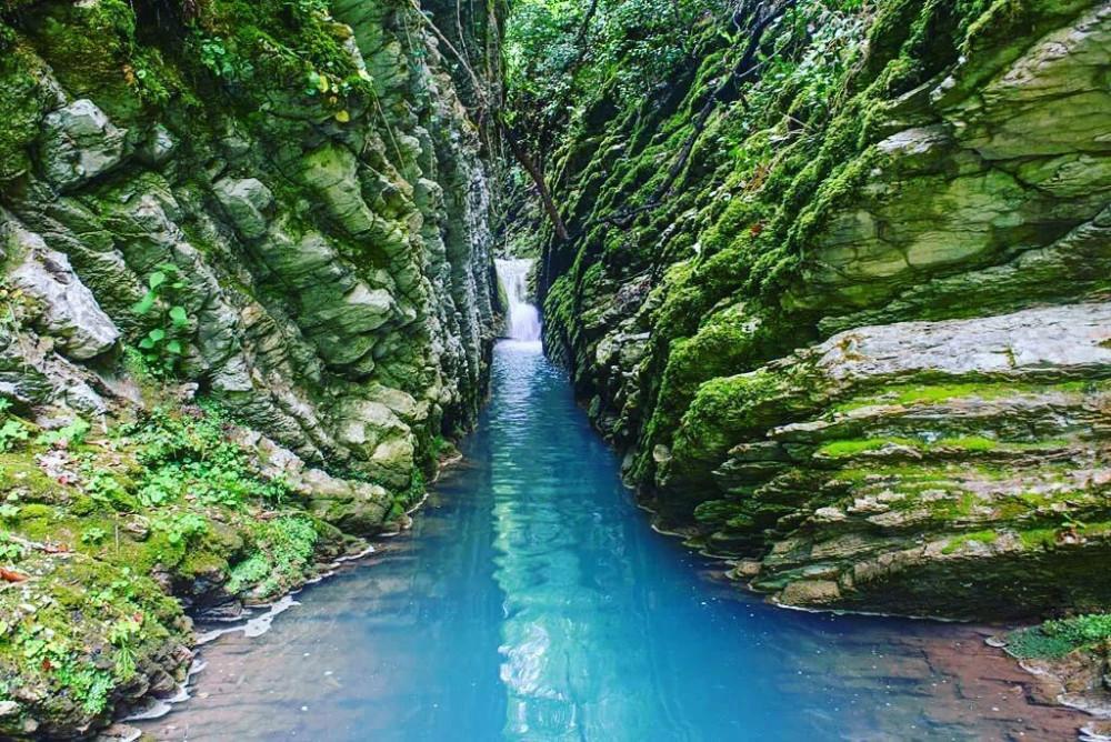 Фото: Водопады и ущелья Лазаревского
