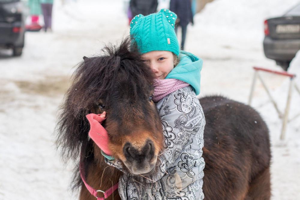 Фото: Детская экскурсия с катанием на лошадях