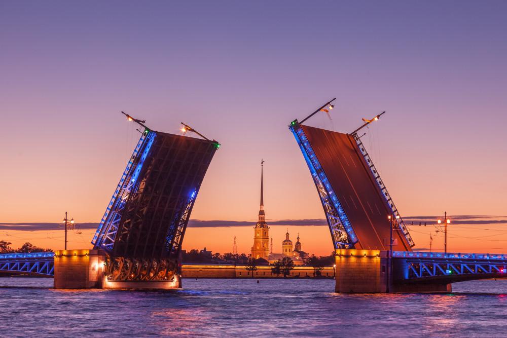 Фото: Ночная экскурсия по Санкт-Петербургу