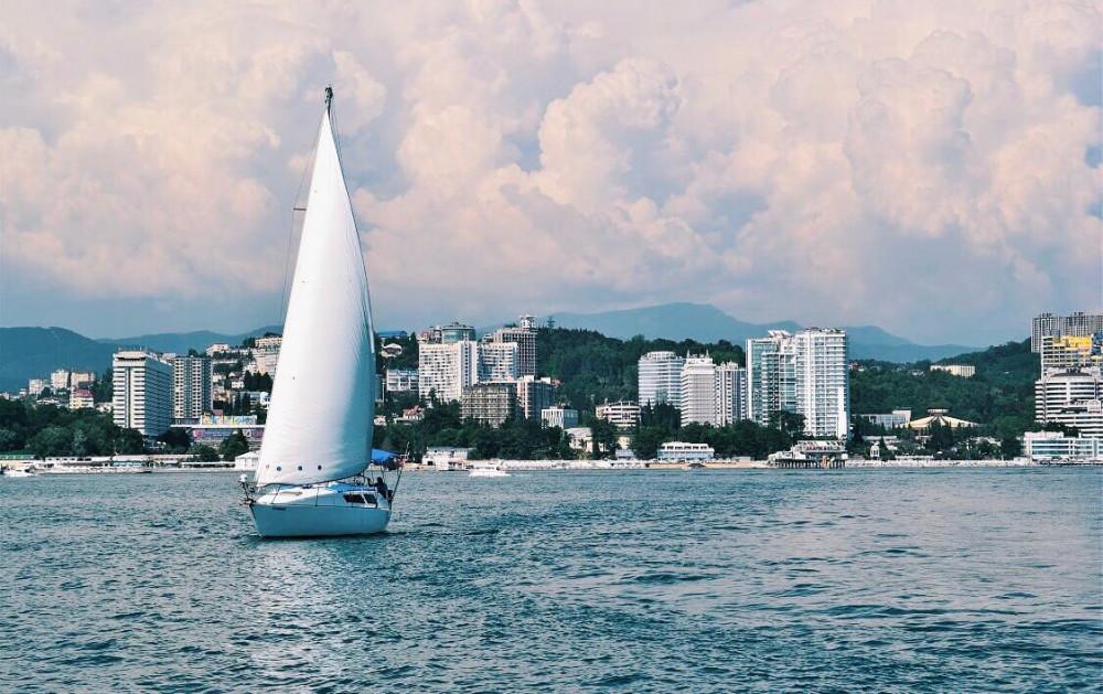 Фото: Парусно-моторная яхта «Восход»