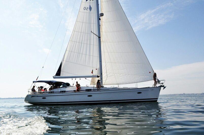 Фото: Парусная круизная яхта «Bavaria 42»