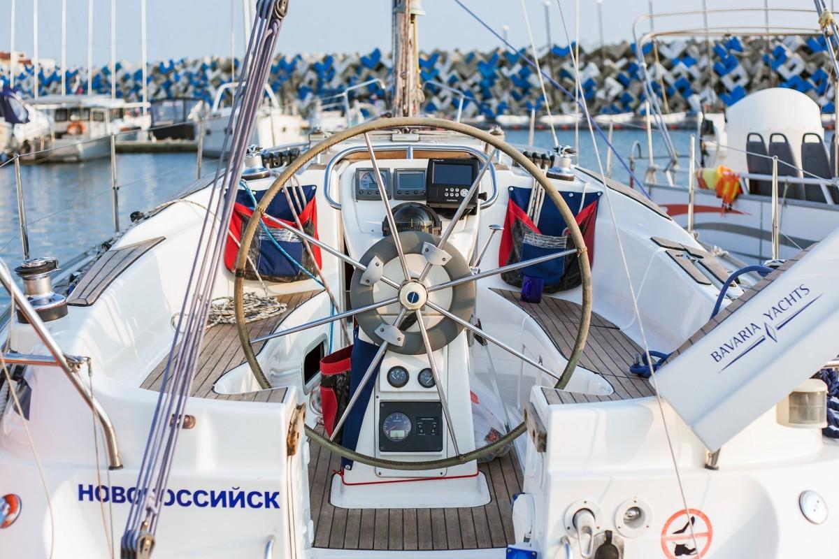 Фото: Круизная яхта «Bavaria 32»