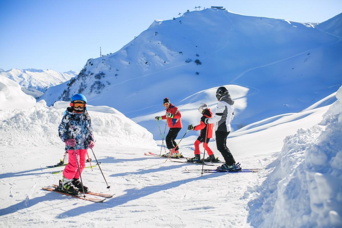 Фото: Обучение по горным лыжам или сноуборду