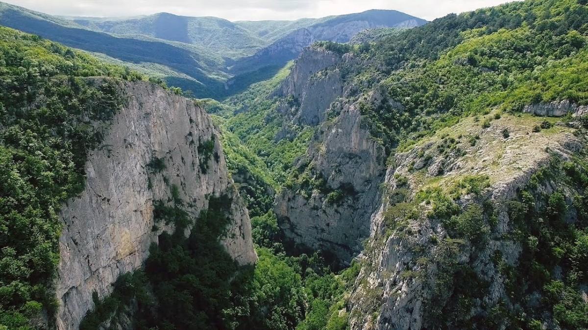 Фото: Большой каньон Крыма, из Севастополя