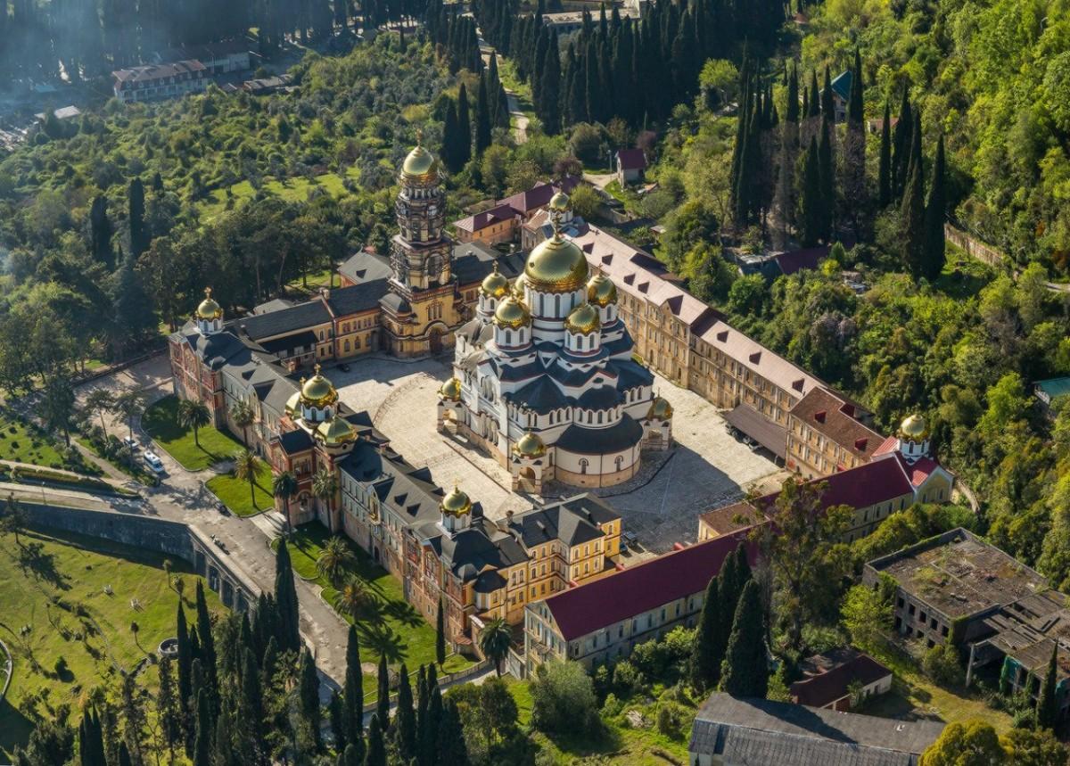 Фото: «Сердце Абхазии» через Гагру в Новый Афон