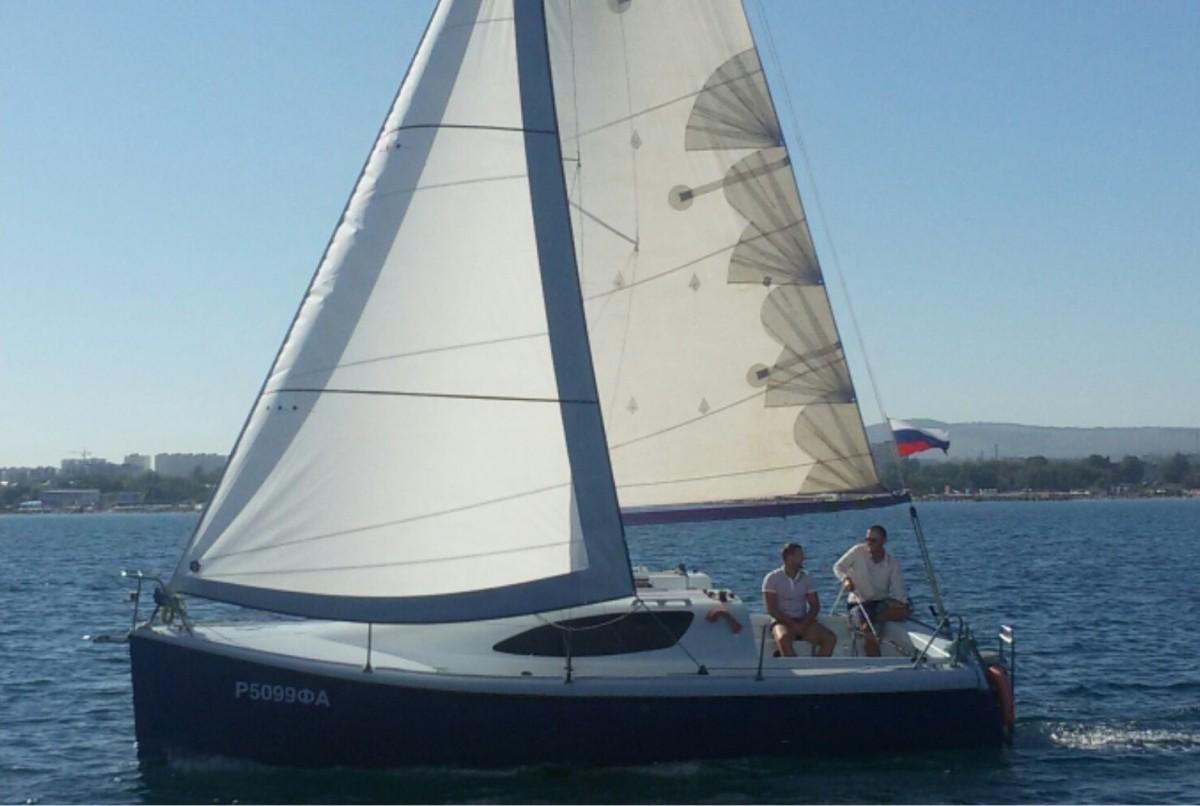 Фото: Яхта для компании до 8 человек