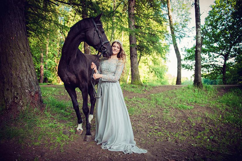 Прогулки на лошадях в Москве и Подмосковье