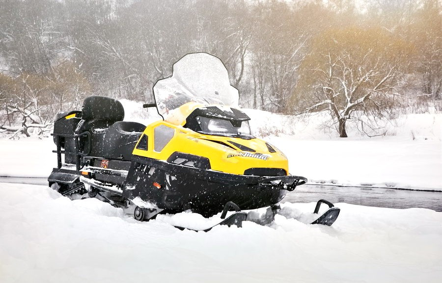 Катание на снегоходах в Перми