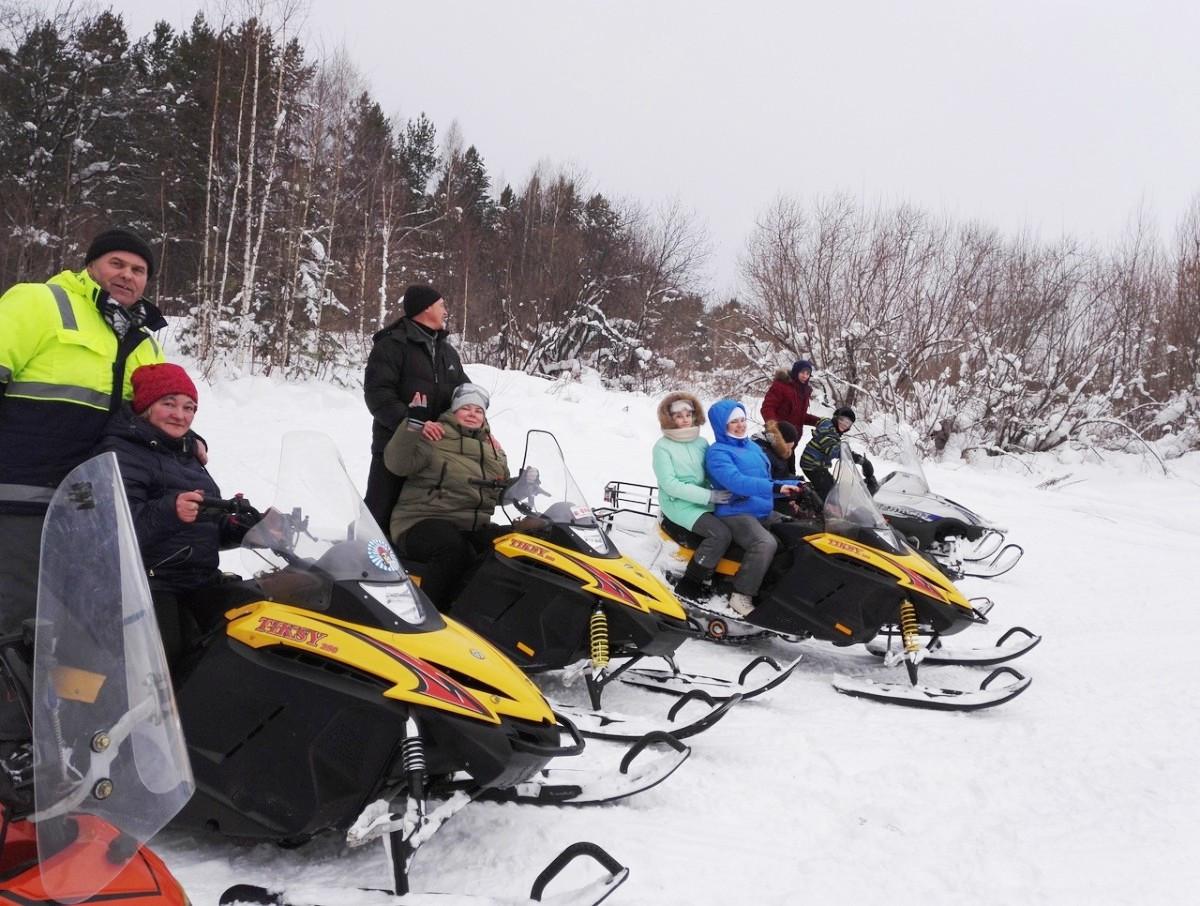 Катание на снегоходах в Томске