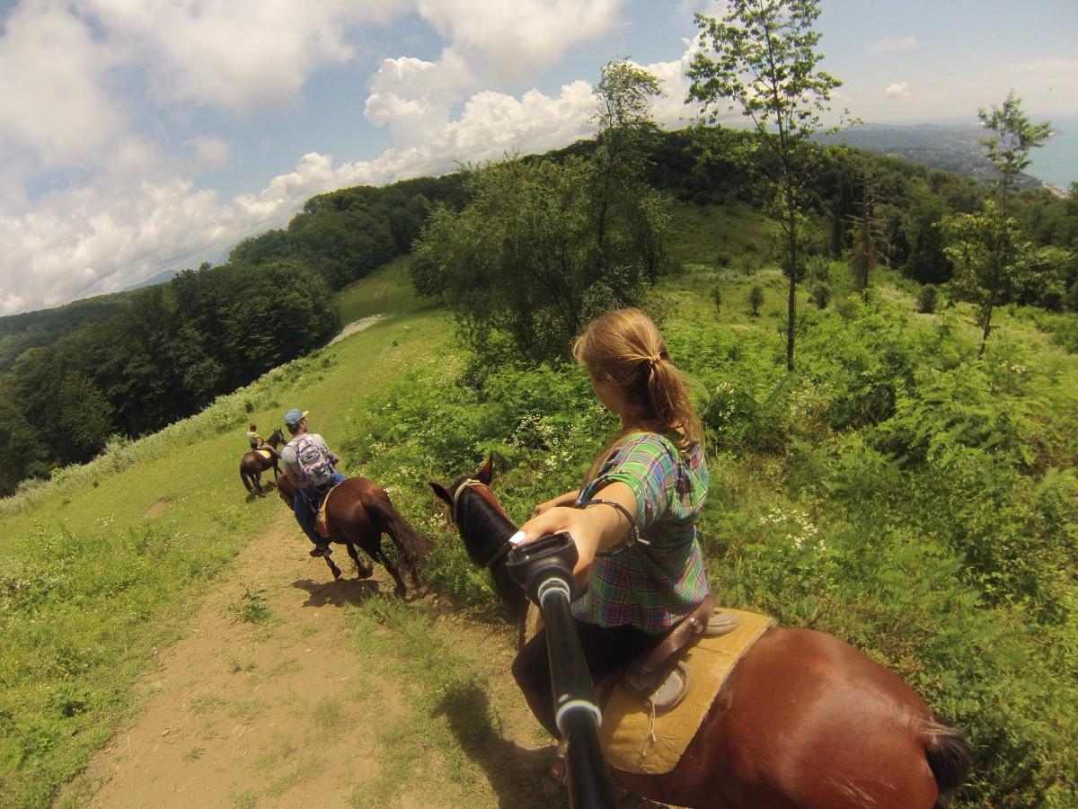 6 лучших конных экскурсий в Сочи