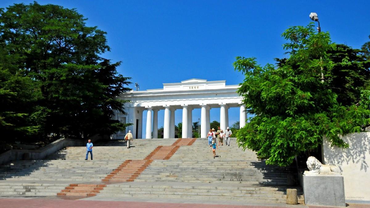 Экскурсии из Феодосии в Севастополь