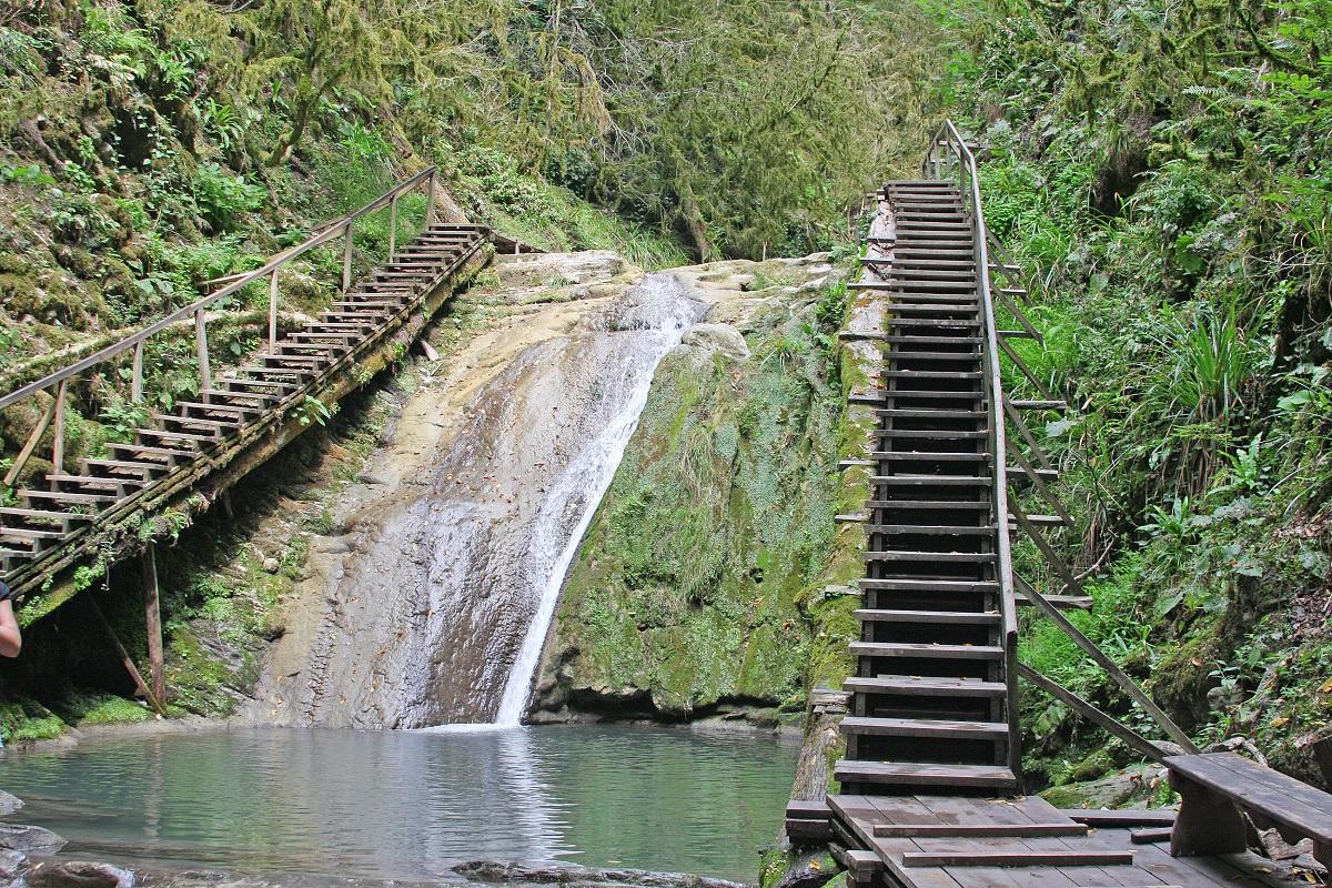 Фото: Долина «33 водопада»