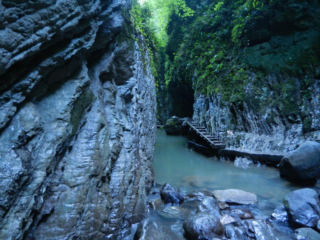 Фото: Свирское ущелье