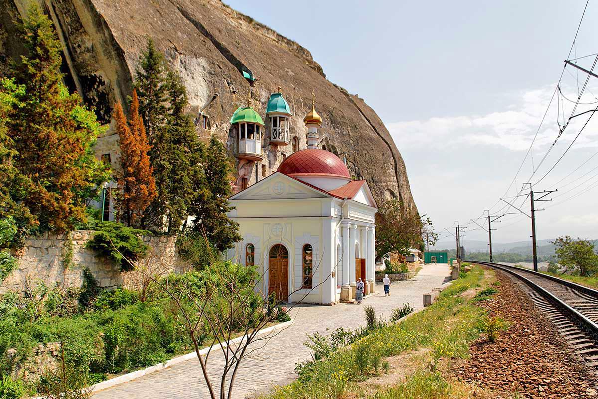 Фото: Климентовский пещерный монастырь