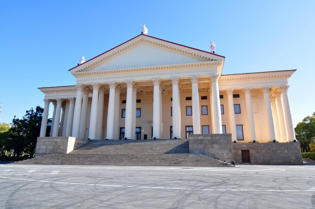Фото: Зимний театр