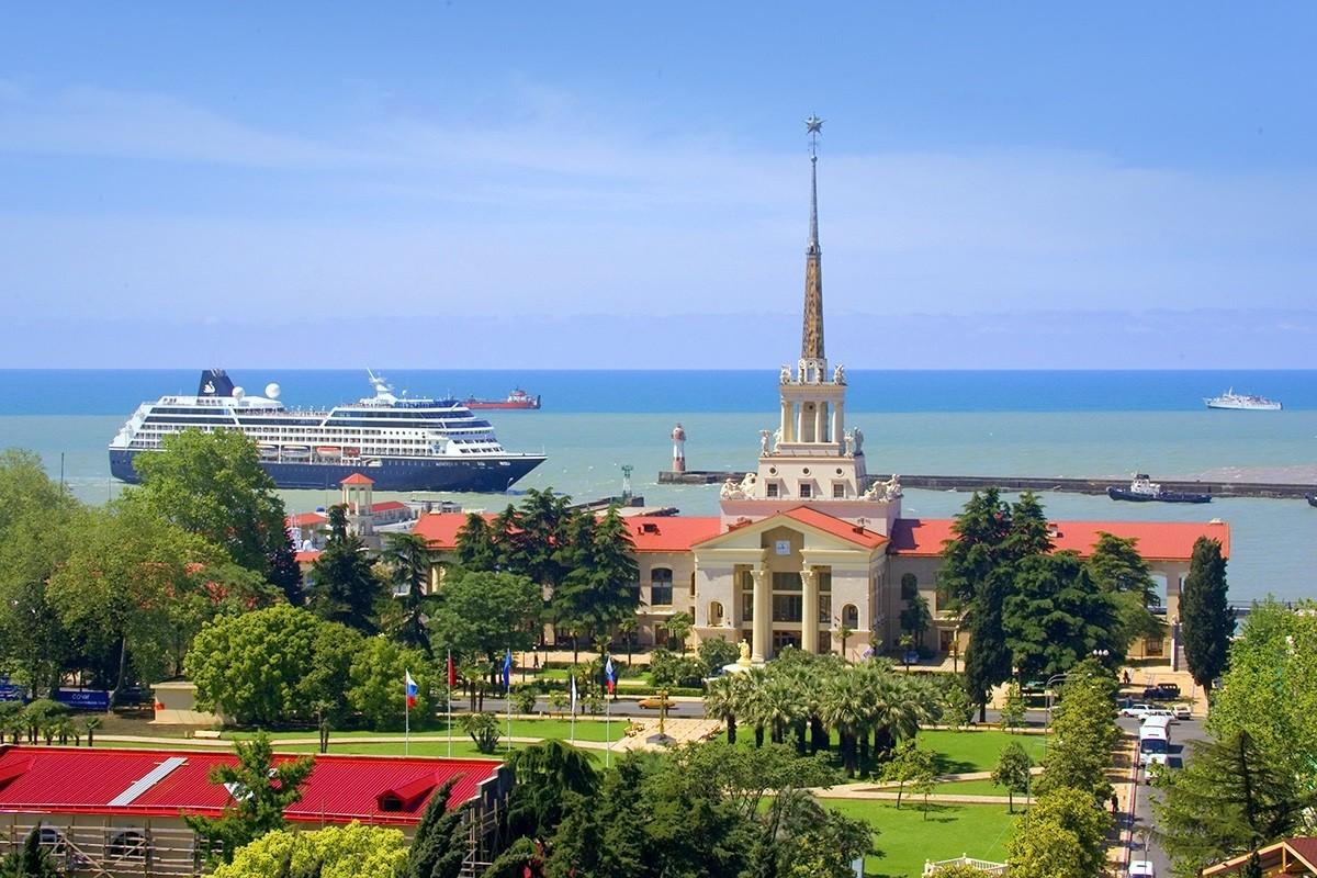 Фото: Морской порт (Морской вокзал)