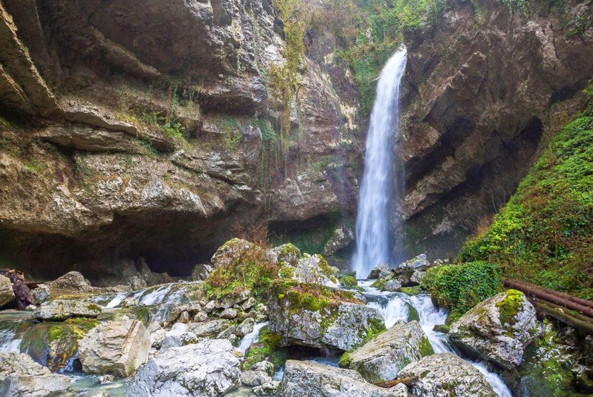 Фото: Пещера Глубокий Яр или Пасть Дракона