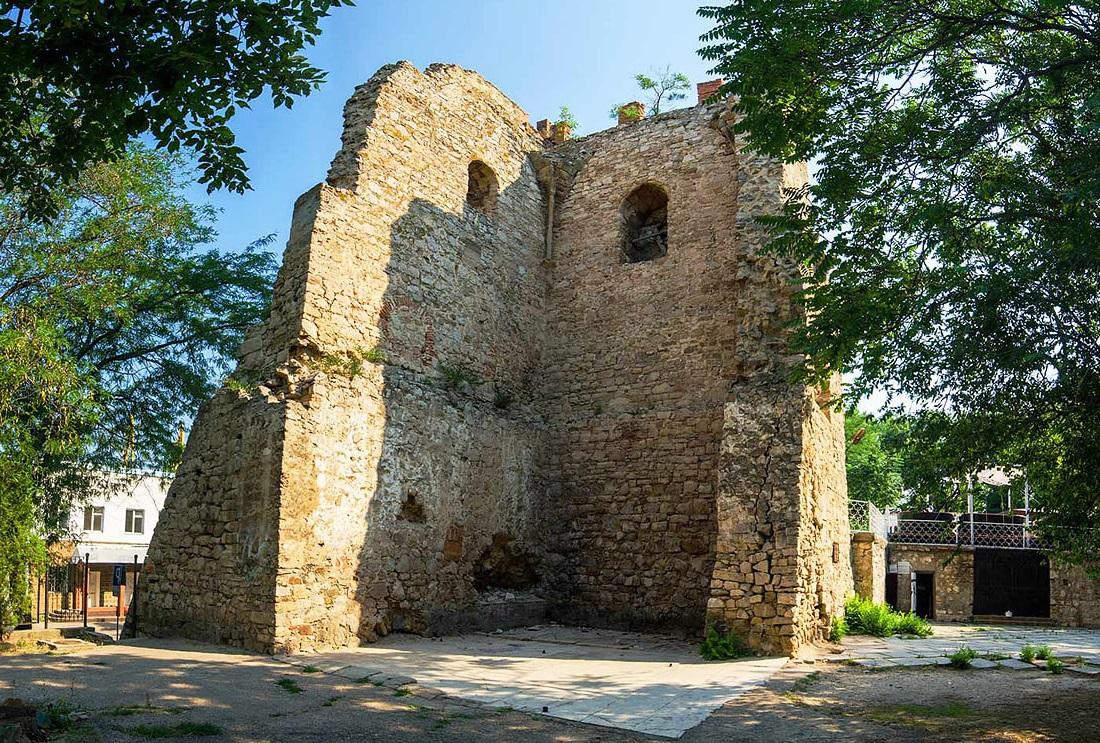 Фото: Башня Святого Константина